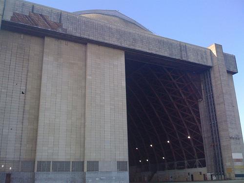 Moffett Field, Hangar 2