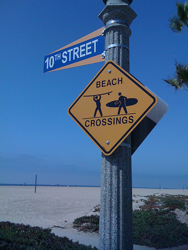 "Newport Beach Boardwalk Gets ""Slow Down,"" ""Share The Path"" & ""Beach Crossings"" Safety Signs"