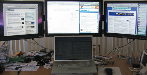 Four Monitors, One MacBook