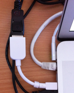 Mini DiplayPort To DisplayPort